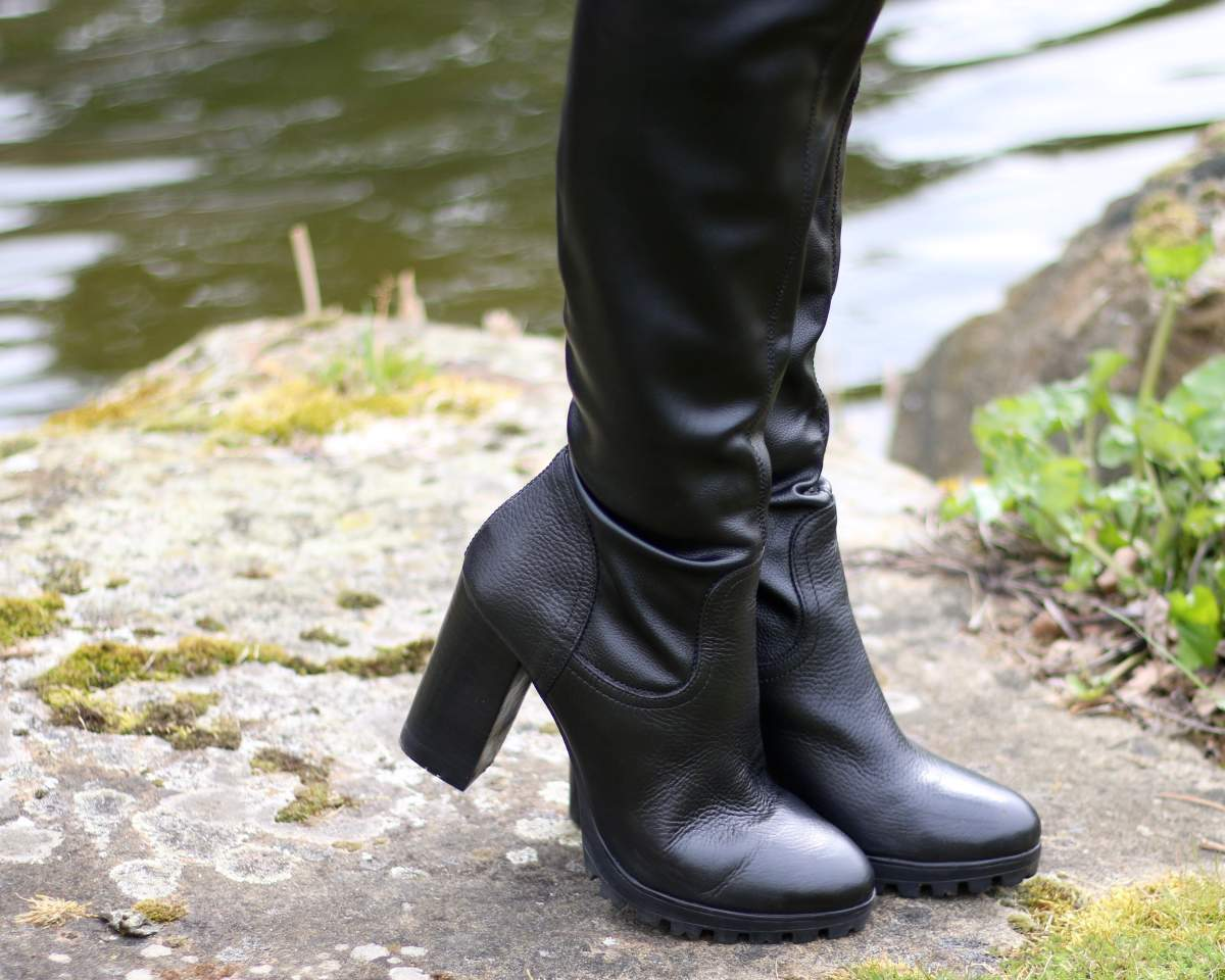 carvela want over the knee boots