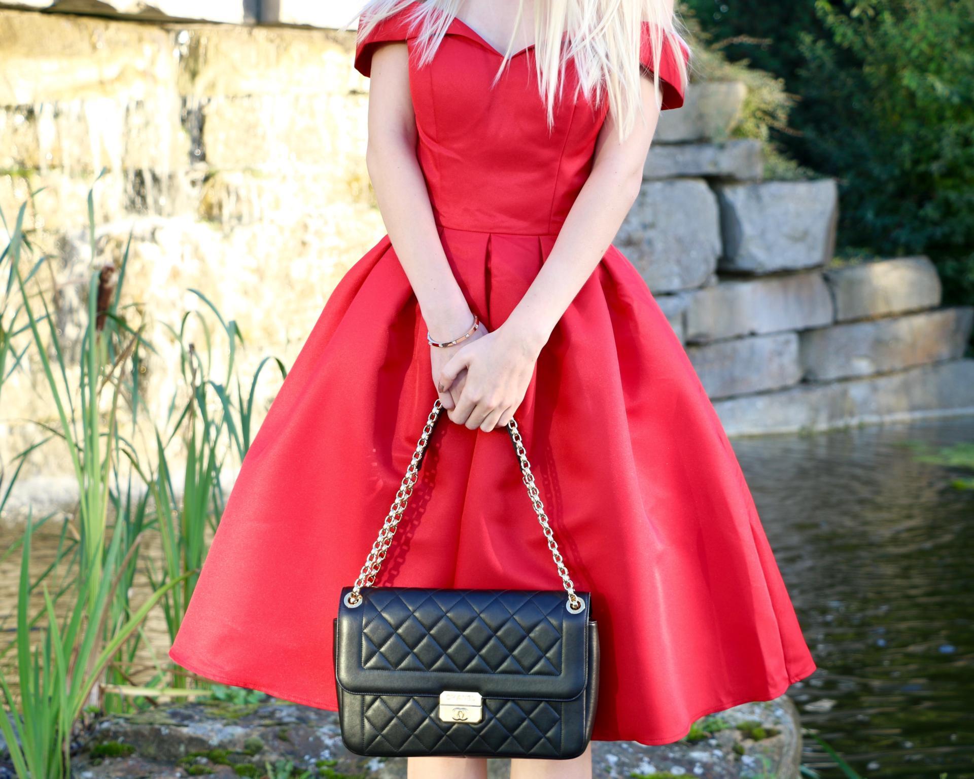 chanel-classic-flap-bag-vintage-clasp