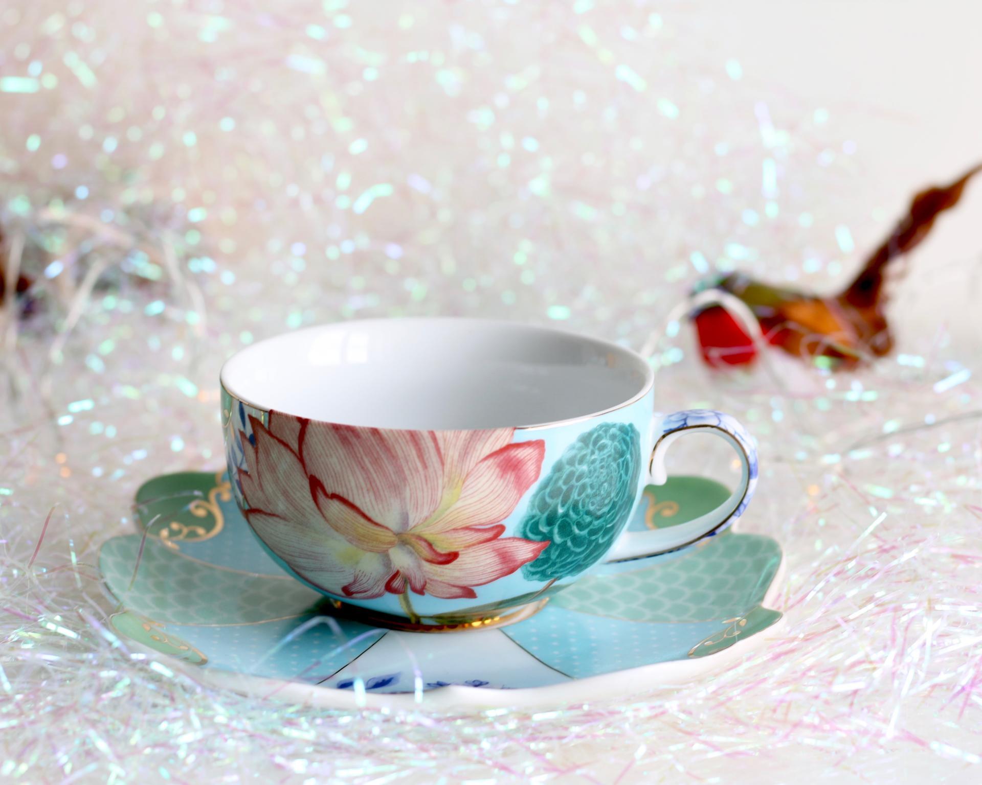 teacup-saucer