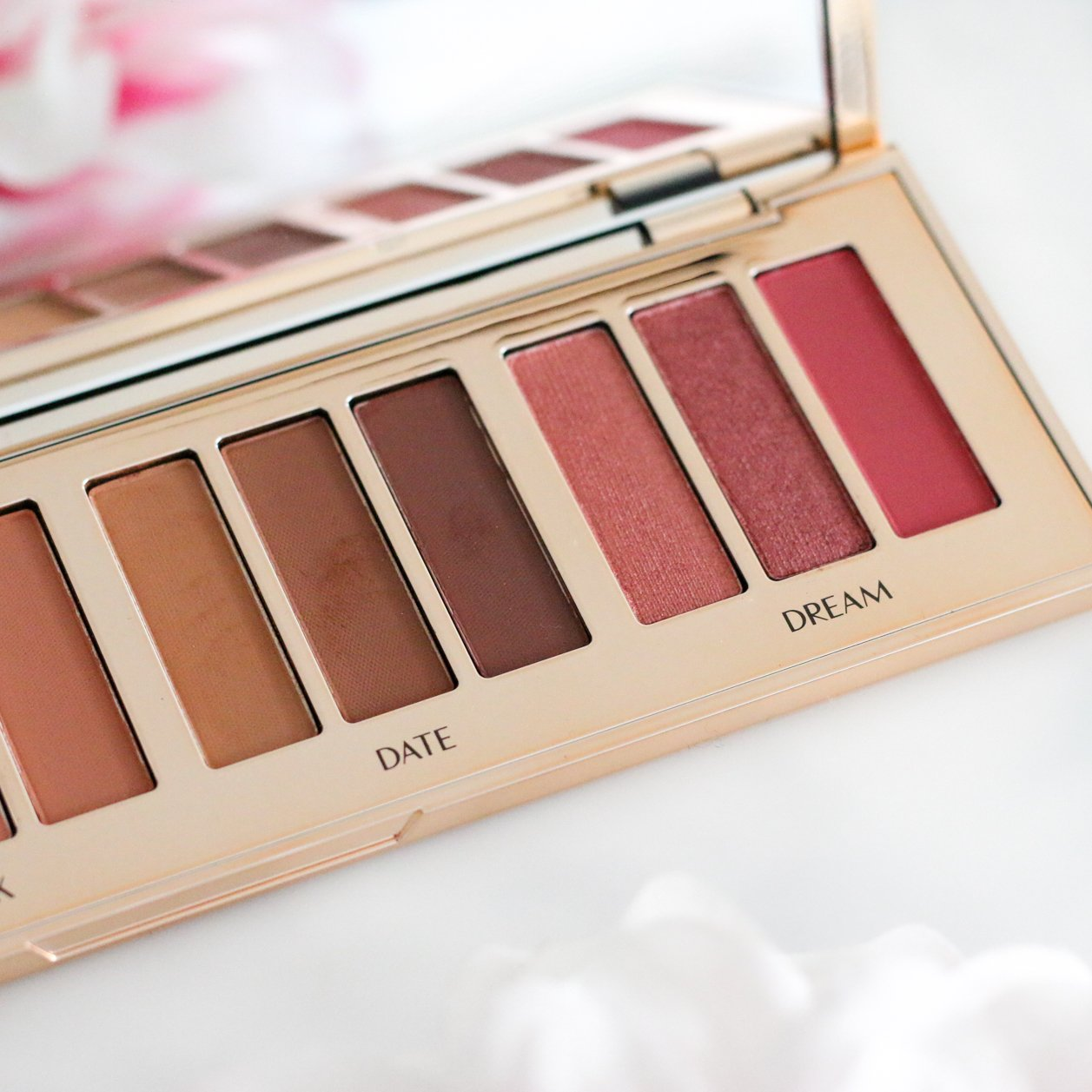 charlotte tilbury instant eye palette pillow talk review